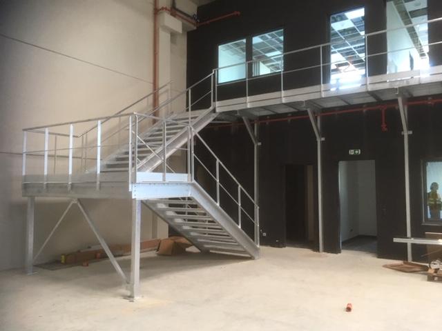 escalier d'accès bureau
